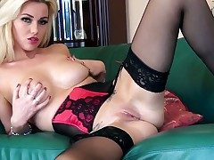 Comme �a loveliness Anna Victoria likes fingering and
