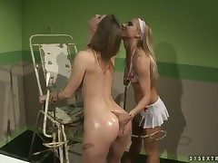 Fair-haired bombshell Nikky Thorne gives Melissa Sweets