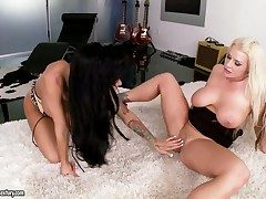 Horny alluring lezzies Angelina Valentine with an increment be advantageous to Sadie Swede